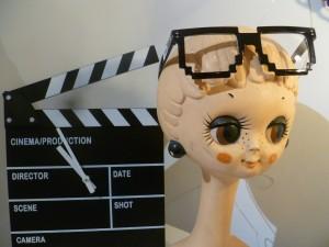 lunettes pixels horloge clap cinéma