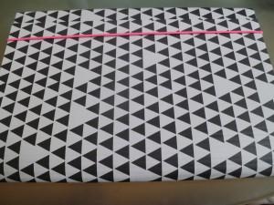classeur triangle géométrique hema fluo rose
