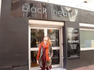 façade salon de tatouage black heart
