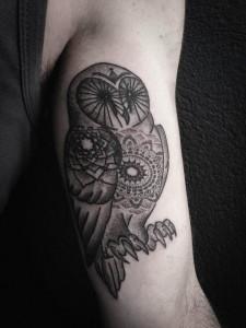 tatouage hibou chris zéro dotwork black heart