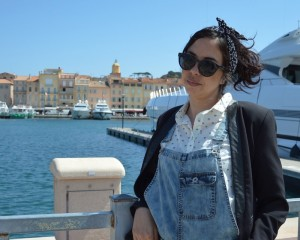 look salopette denim rétro st tropez