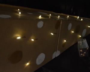 diy-tutoriel-pyramide-sapin-carton-lumineux
