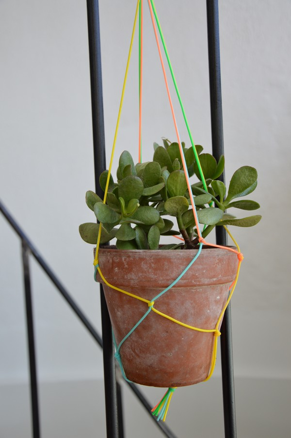 suspension-scoubidou-macrame-plantes-diy-tutoriel