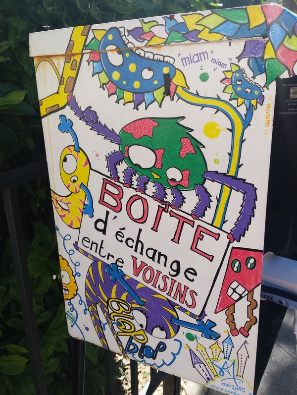 boite-echange-voisins-lyon-saintjust-bonsplans-carnet-voyage