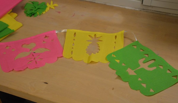 diy-tuto-guirlande-papelpicado-tropical-cactus-ananas-flamantrose